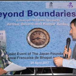 Poet Arthur Binard and poet Kumar Ambuj in conversation during the event 'Beyond Boundaries…'